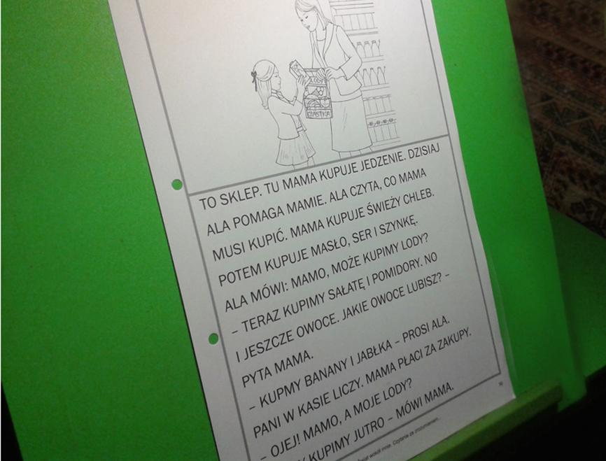 stoliczek do czytania dla dzieci niedowidzących i słabowidzących