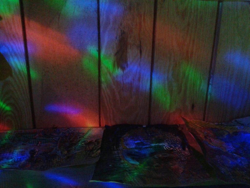 Kolorofon/żarówka dyskotekowa/projektor-lampka nocna - kolorowe zajączki - mamotatopokazmi.pl