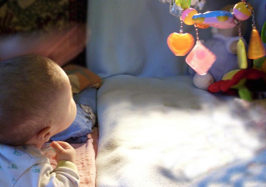 Odblaski szkolne zabawka obserwacyjna dla niemowląt - mamotatopokazmi.pl