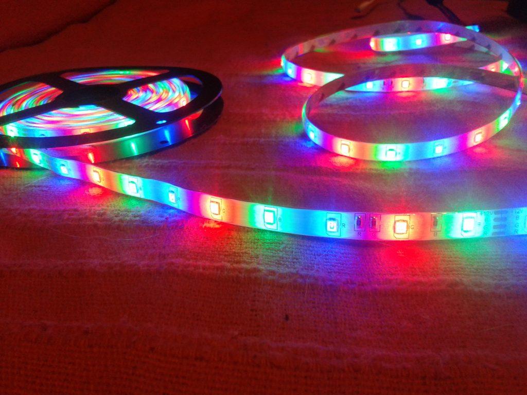 Taśma LED multicolor - mamotatopokazmi.pl